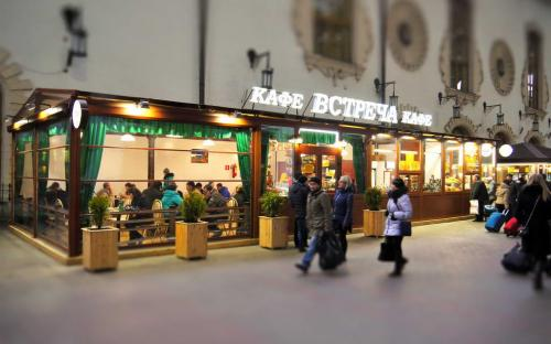 Сборно-разборная конструкция (пергола) для кафе. Москва, Казанский вокзал