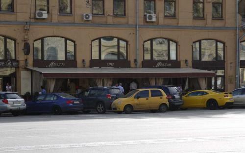 """Летнее кафе. Кафе """"Марципан"""" Москва, Новая площадь, д.14"""